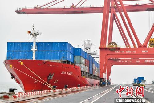 1月中国进出口增速好于预期 全年外贸有望稳定增长