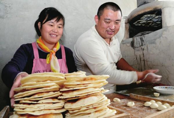 莱芜区寨里镇大高庄烧饼:圆润黄嫩薄脆生津!
