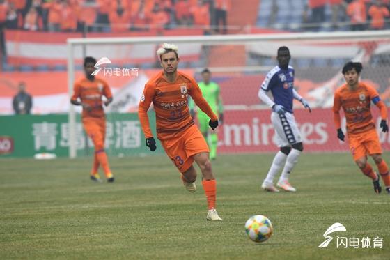 刘军帅替补扳平佩莱反超比分 鲁能4-1河内FC