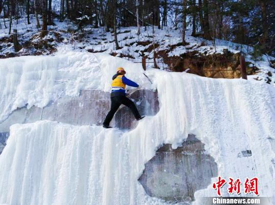 """中国北疆桥隧工:冰瀑布的""""击落者"""""""