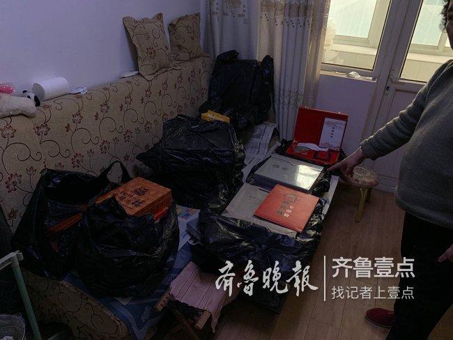 濟南一老人半年買25萬的收藏品,如今想退款成難題