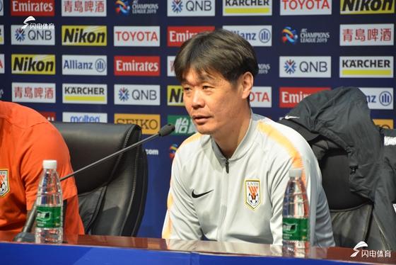 一本书看懂中国足球未来 鲁能主教练强力推荐