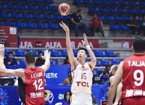中国男篮客场90-59大胜叙利亚 周琦强势复苏砍下32+10