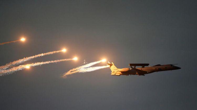 """俄媒:印度对巴基斯坦境内的""""恐怖组织营地""""发动空袭"""