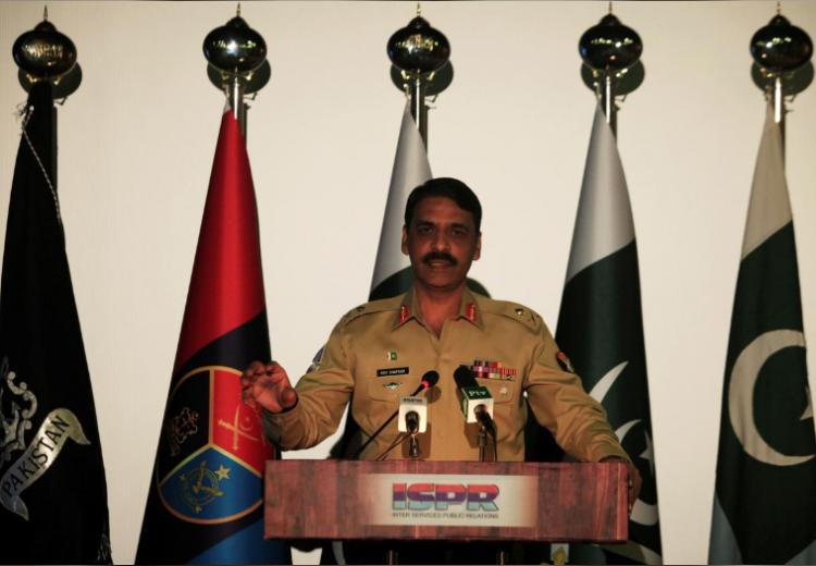"""巴基斯坦:印军机越线遭巴军机拦截 """"抛弃挂载""""仓皇而逃"""
