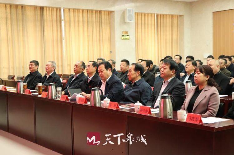 济南社会各界组织收看十三届全国人大二次会议