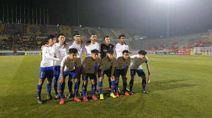 鲁能亚冠客战庆南打响    泰山队球员帅气登场