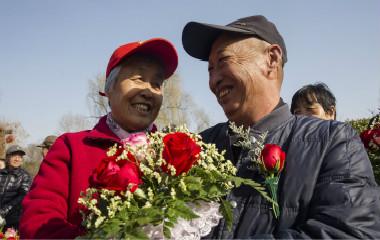 济南:老夫老妻讲述家风故事 弘扬文明家风