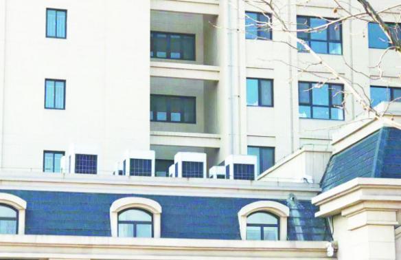 窗外8台空调外机作响 淄博中海文昌湖海融苑度假房买了6年难入住