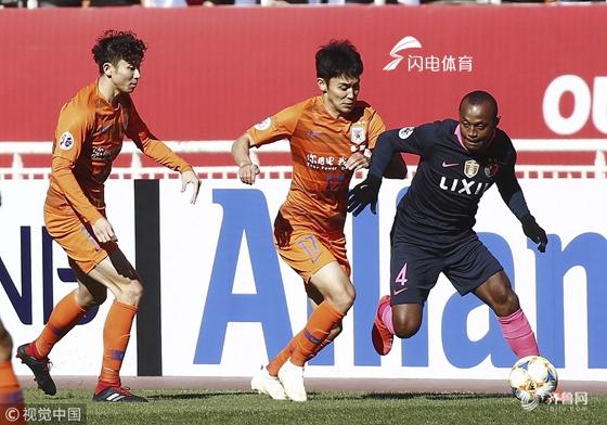 半场:伊藤翔连入两球佩莱双响扳平 鲁能暂2-2鹿岛鹿角
