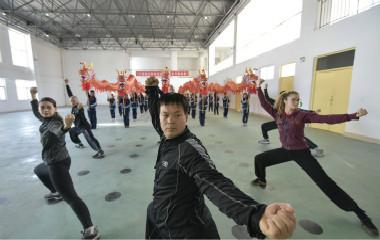 山东聊城:意大利友人慕名来华学习传统体育文化