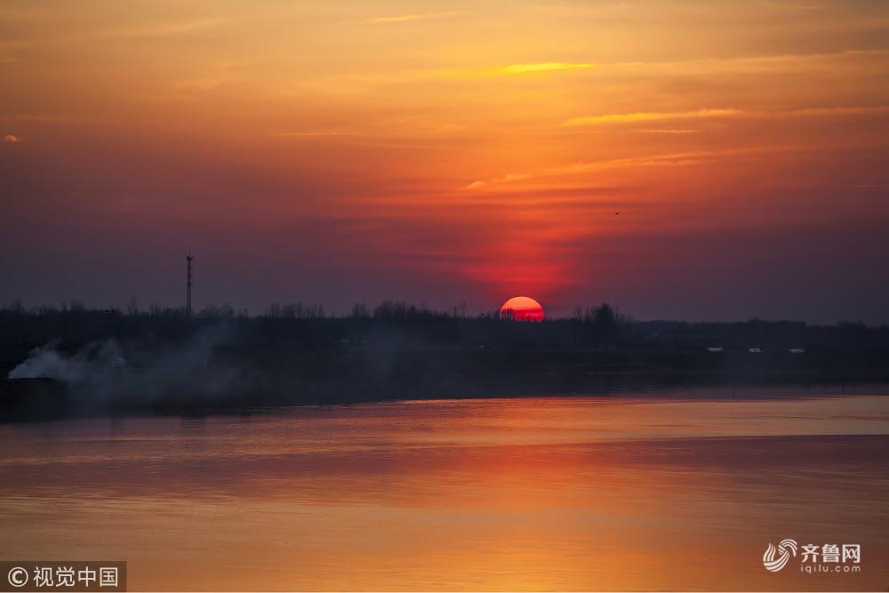 滨州:航拍黄河落日晚霞缤纷壮丽美景