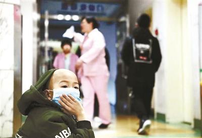 女子医院偷钱为病儿筹化疗费 家属道歉:都是救命钱
