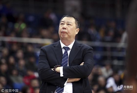 山东男篮惨遭江苏逆转 赛后陶汉林依旧沉默不语