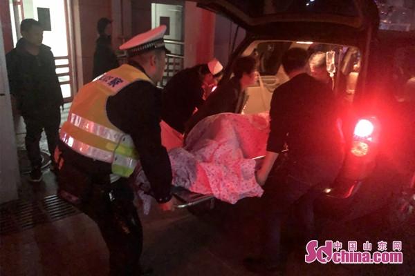 济南交警夜晚紧急护送滨州孕妇