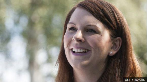 丹麦女议员带娃上班被拒,网友:雇个保姆去!