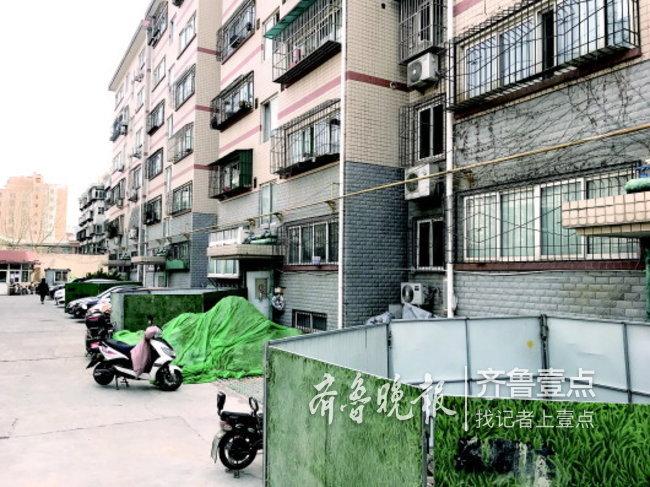 济南又有老楼装电梯难产:坑都挖了,一二层业主变卦