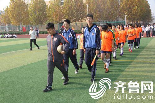 山东鲁能泰山足球学校每年将选派优秀教练到基地进行现场训练指导