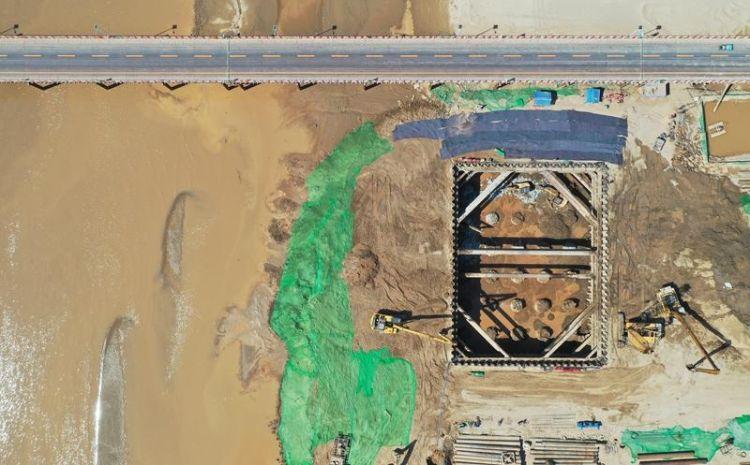 齐鲁黄河大桥多个桥梁桩基已浇筑成形