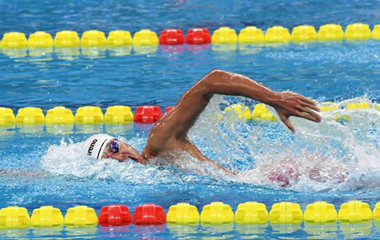 200米自由泳山东名将季新杰冲进决赛