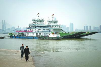 再见了,武汉最后的汽渡码头