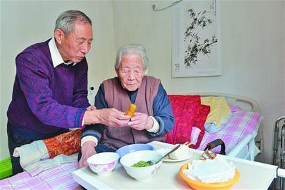 聊城市百岁老人达322位,近九成是女寿星