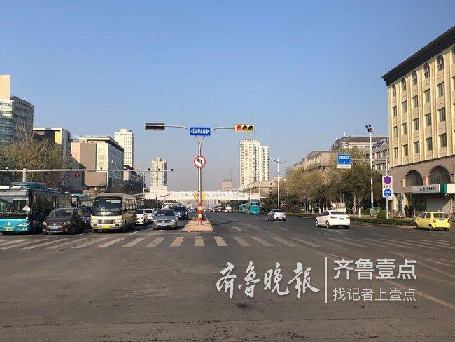 实地探访:禁左十日后,济南经十山师东路路口变通畅了