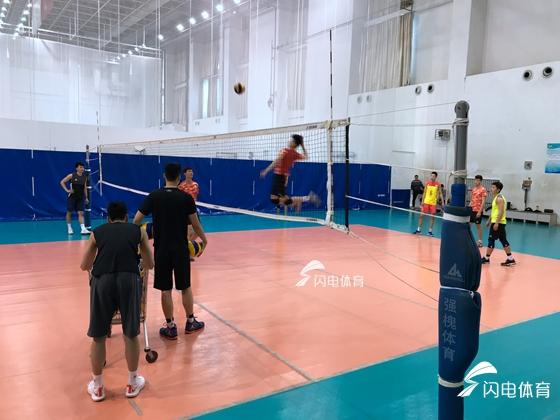 苦中有甜汗里藏金 山东男排备战全国男子排球冠军赛