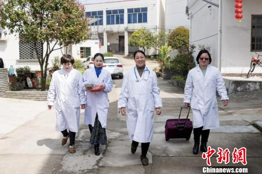记家庭医生叶淑伟:是签约对象 更是关系密切的朋友