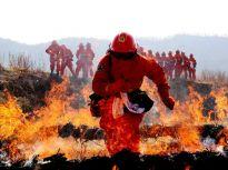 穿越火线与火神争夺生命 超级英雄的背后充满汗水