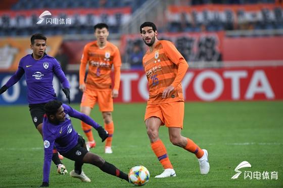 2019亚冠小组赛首胜!费莱尼佩莱齐建功 鲁能主场2-1柔佛