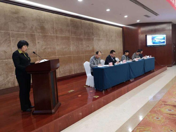 全省群众体育工作会议在临沂召开 李政:发明条件普及开展冰雪运动