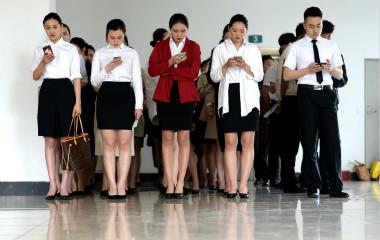 济南今年首场高校空乘招聘举行 高颜值大学生亮相