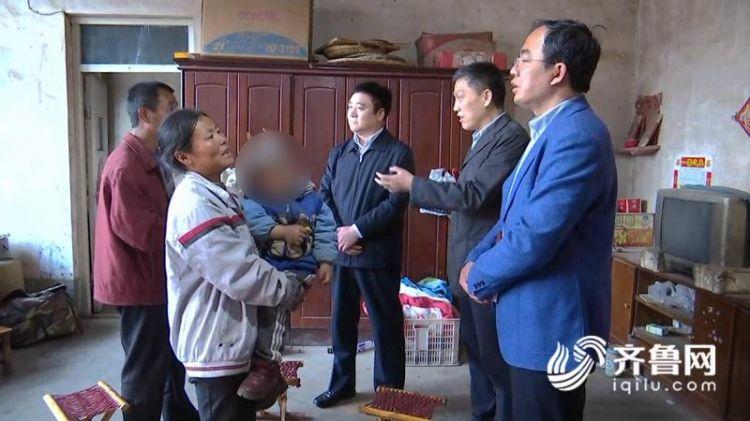 孩子重病辍学 民政部门:纳入最低生活保障