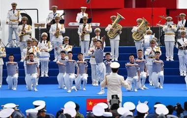 多国海军活动联合军乐展示在青岛举行