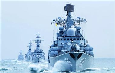 大片来了!看中国海军破雾而出!