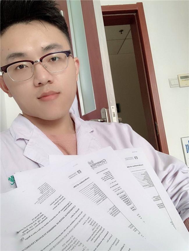 刘德阳同学同时收到邓迪大学、戈班大学、考文垂大学4个专业的OFFER