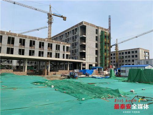 農業大學征收建設項目教學樓、公寓等主體工程封頂