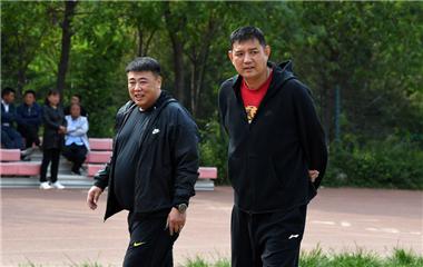山東男籃集結備戰!新帥鞏曉彬攜教練組首次亮相