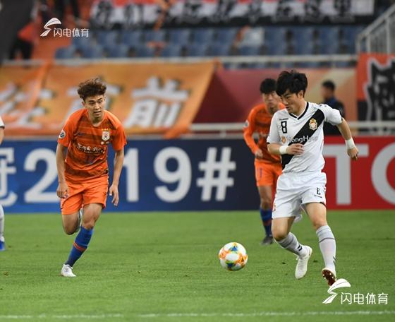 亚冠提前出线!山东鲁能主场2-1力克庆南FC