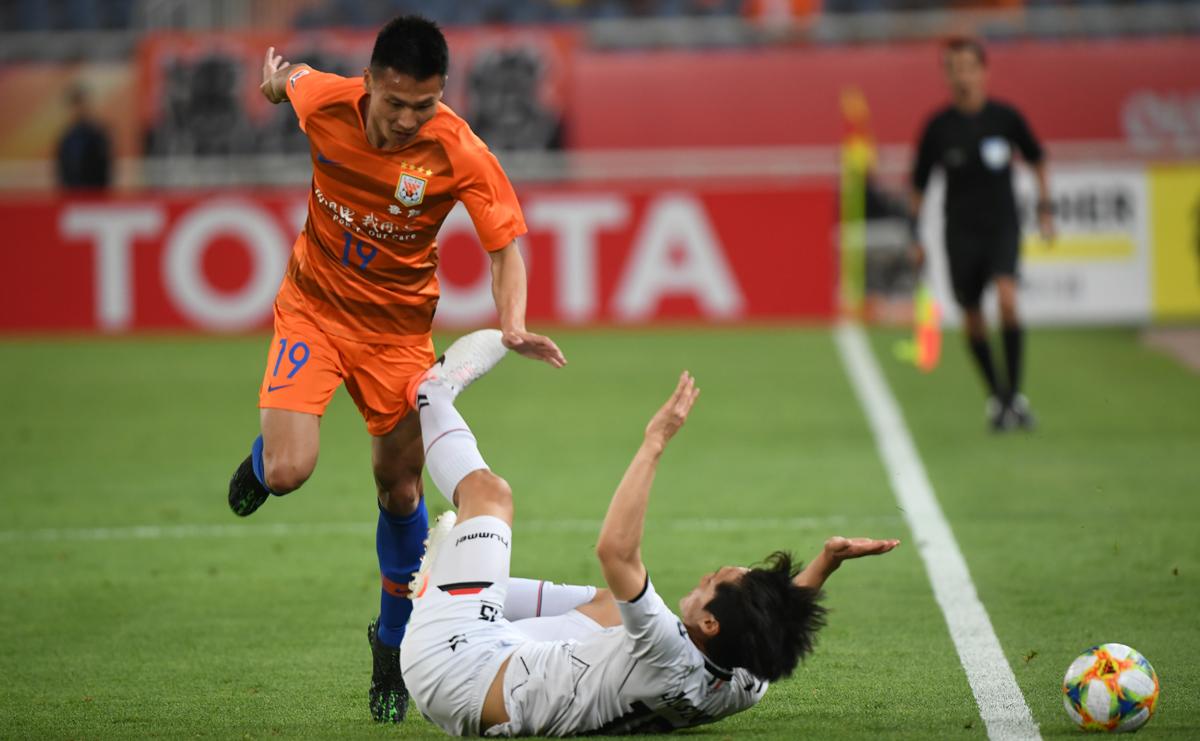 亚冠小组赛提前出线!山东鲁能主场2:1胜庆南FC