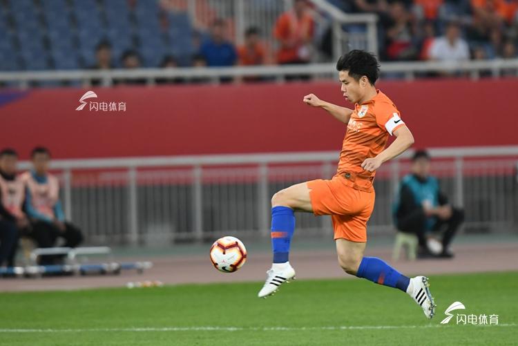 中超积分榜:国安10连胜领跑,鲁能位居第4