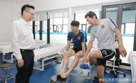 官方:吉翔左膝内侧副韧带2级损伤 需要休战4-6周