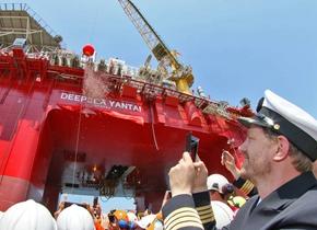 烟台造第六代半潜式钻井平台赴挪威北海作业