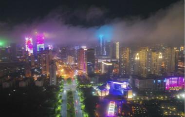 青岛现平流雾景观 夜景旖旎似仙境