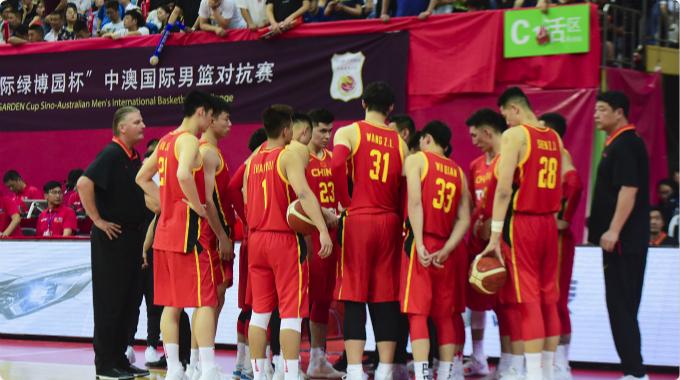 两连胜!中国男篮101-98逆转澳大利亚NBL联队