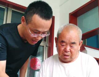 """当了43年村支部书记的刘万德:""""头等大事就是带领群众过上好日子"""""""