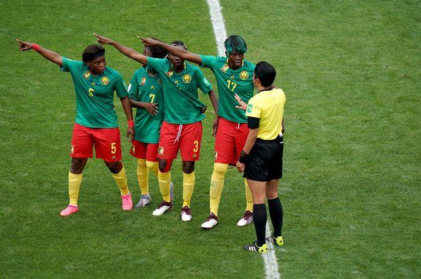 FIFA调查喀麦隆女足 吐对手口水+罢赛+推中国裁判