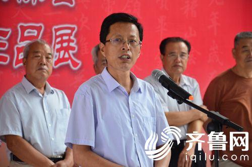 3市文联党组书记、主席薛希忠致辞