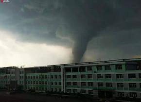 辽宁省开原市遭受突发龙卷风袭击 已致6人死亡